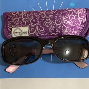 Foster Grant sunglasses with Foster Grant softcase